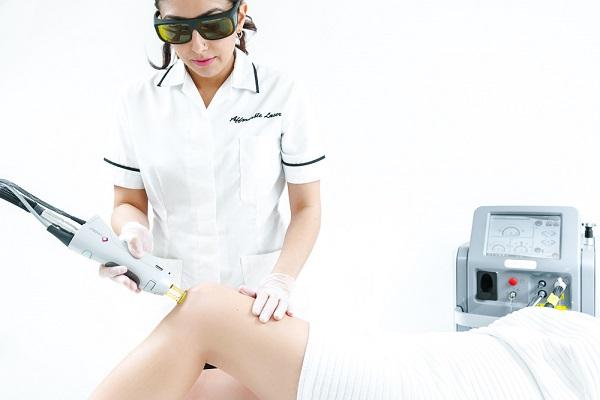 performing laser hair removal